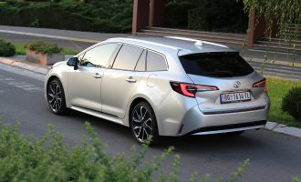 TEST: Toyota Corolla Touring Sports 1,2 Turbo Sport