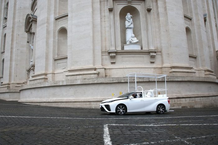 Toyota-Mirai-Popemobile