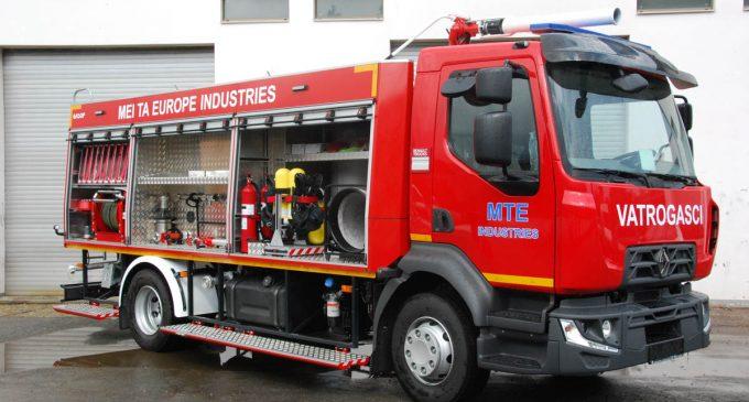 Domaće vatrogasno vozilo na Renault Trucks D16 4×2 270 šasiji