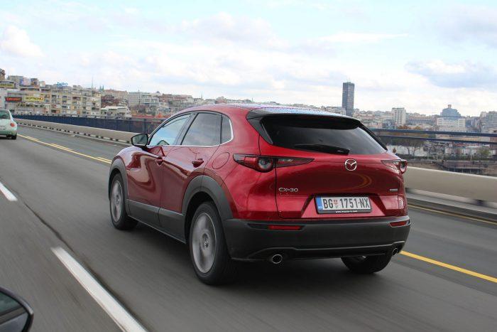 Test Mazda CX-30 G122