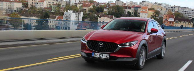 TEST: Mazda CX-30 Skyactiv-G122 Plus