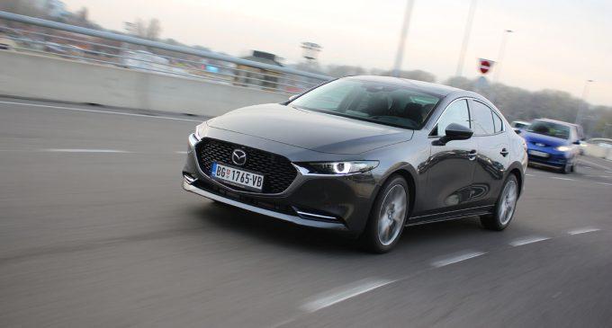 TEST: Mazda 3 Sedan Skyactiv-X180 GT Plus Sound