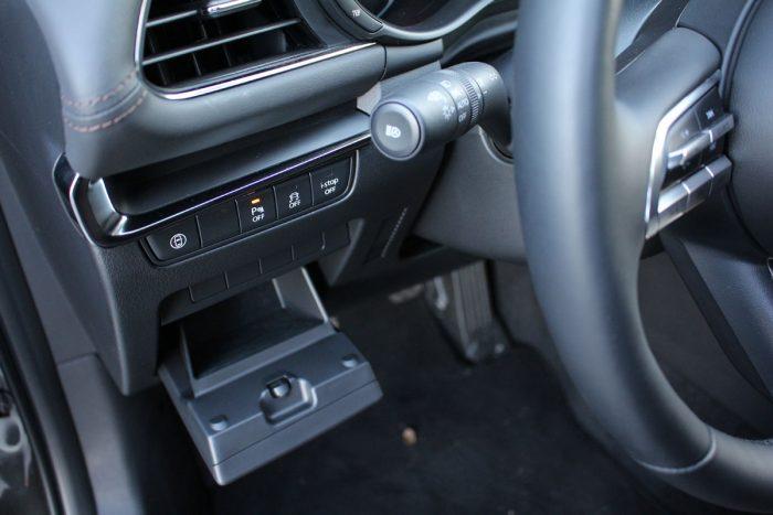 Mazda 3 sedán Skyactiv-X180