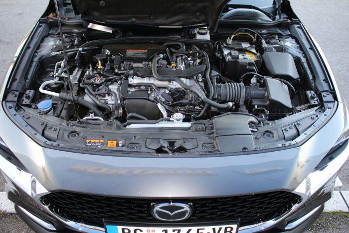 Mazda 3 Sedan Skyactiv-X180