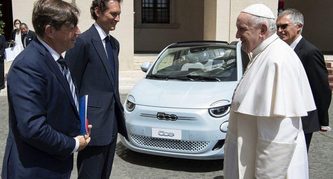 Stellantis delegacija posetila Vatikan