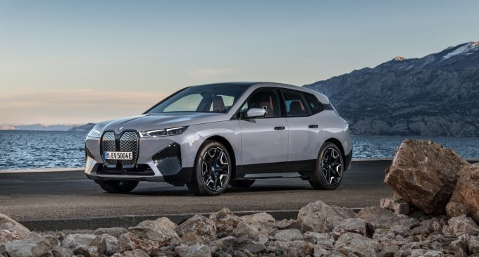 BMW iX je prvi čisto električni SUV bavarskog brenda