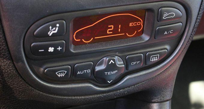 Jedno dugme za brže rashlađivanje automobila