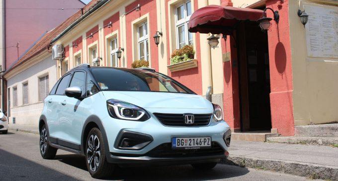 Testirali smo kako radi Honda Jazz sa novim konceptom hibrida