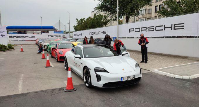 Porsche Experience: testiramo većinu modela iz game